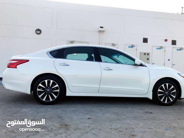 Nissan Altima 2016 For sale - White color