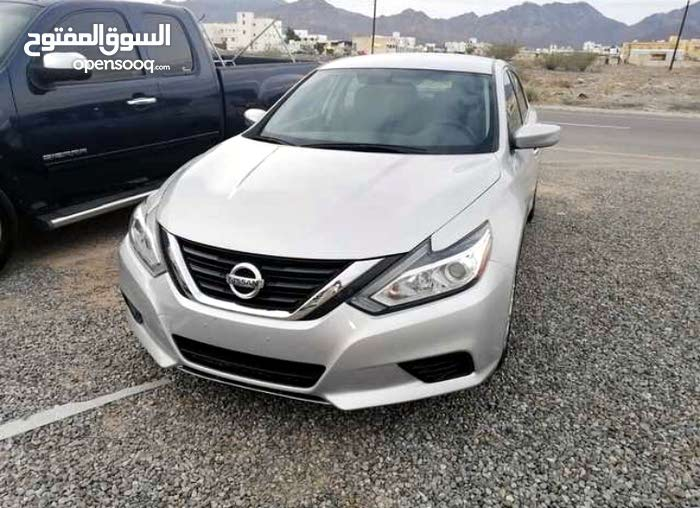 Silver Nissan Altima 2016 for sale