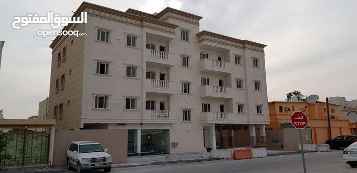 للايجار شقق بعمارة جديدة اول ساكن بجوار الشارع التجارى بالوكرة