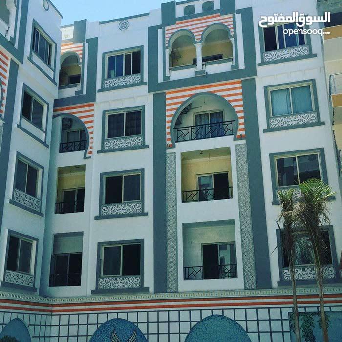 امتلك شقتك بارقى كومبوند بمنطقة شارع الشيراتون وميدان المارينا