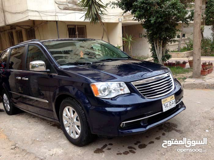 Chrysler Town & Country for rent