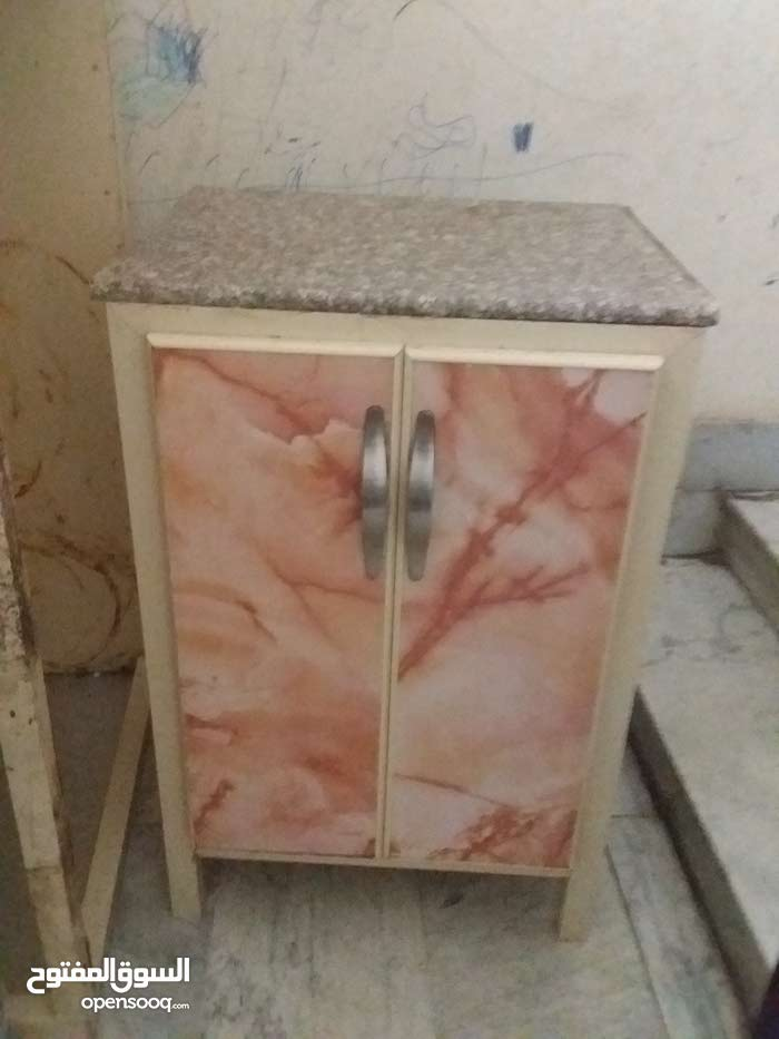 خزانة مطبخ شبه جديد مع رخام عرض 60 طول 90