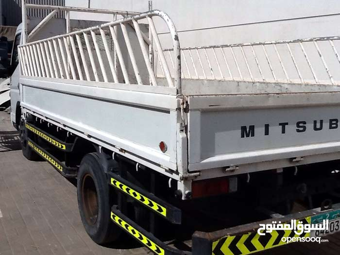 Mitsubishi Fuso Rosa in Abu Dhabi for rent