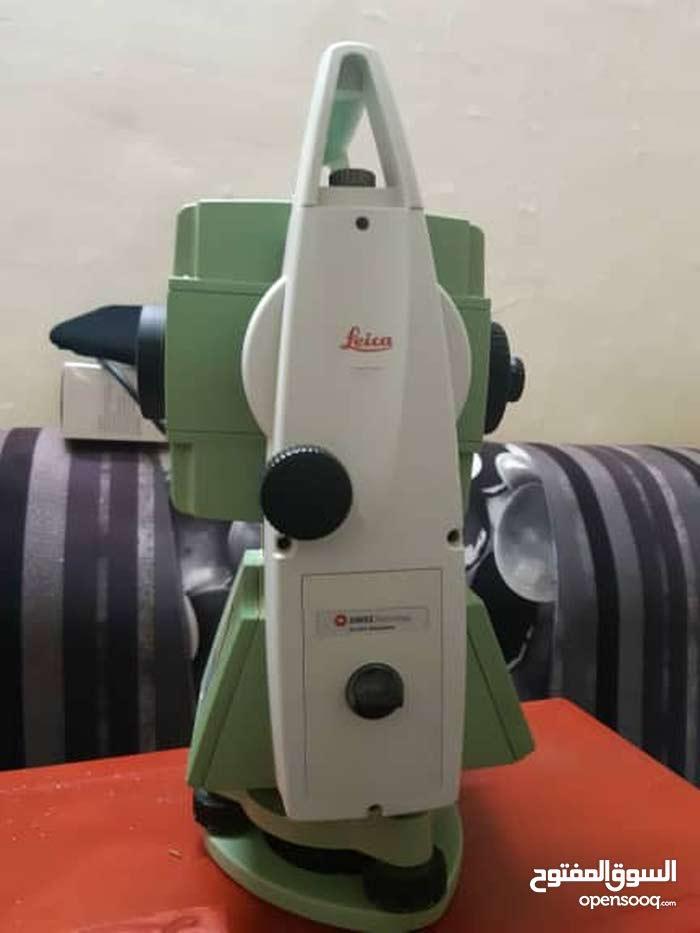 جهاز ليكا TS16 سويسري