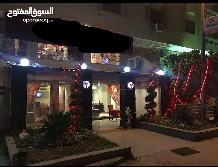 فرصه للمستثمرين كافيه للبيع 290م بهضبه الاهرام يصلح لكافه الانشطه شارع رئيسي