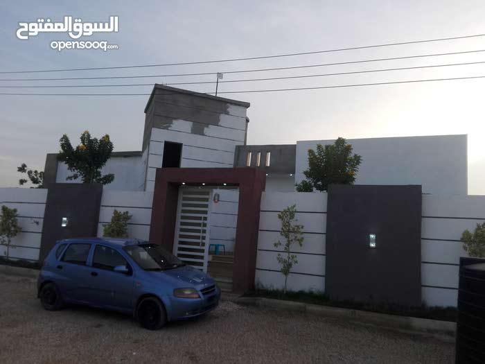 منزل يتكون من شقتين (حي بوصنيب)
