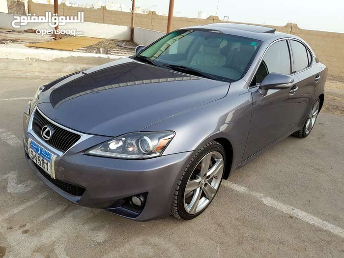 Available for sale! 70,000 - 79,999 km mileage Lexus IS 2012