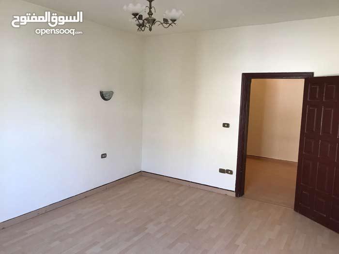 شقة غرفتين وصالة للإيجار بحي الروضة بجدة