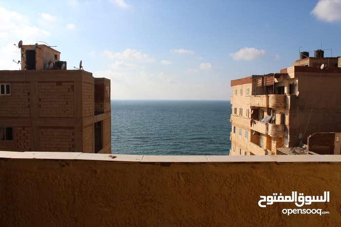 لراغبي فيو البحر في أبو قير شقة 90 م
