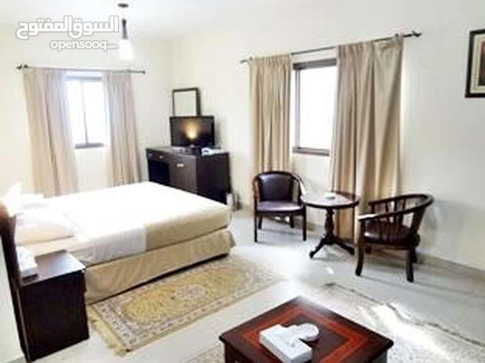 غرفه لشخصين  فقط ب 18 ر.ع في فندق الدولفين الخوير عرض لفترة محدودة