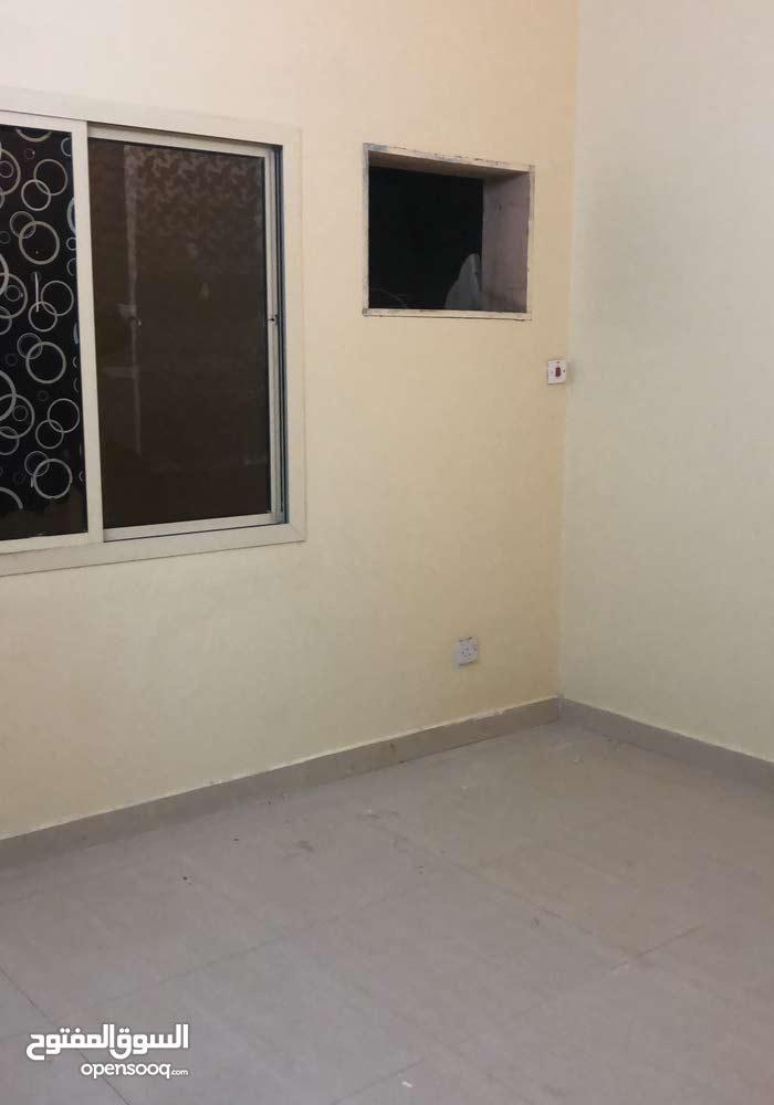 شقة للإيجار في الرفاع شامل الكهربا والماء