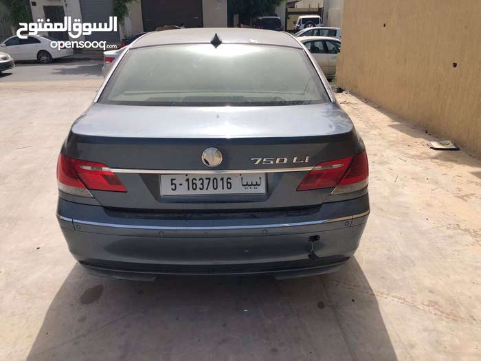 BMW 750 2007 for sale in Tripoli