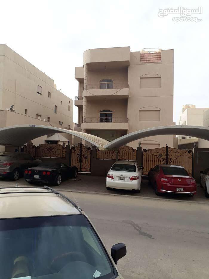 Hadiya neighborhood Al Ahmadi city - 750 sqm house for sale
