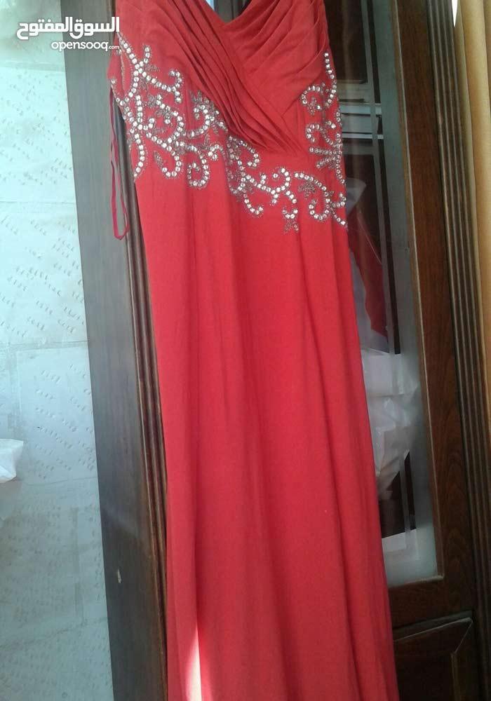 فستان سهرة اون احمر