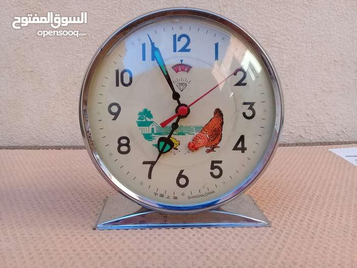 ساعة الدجاجة ميكانيكية قديمة