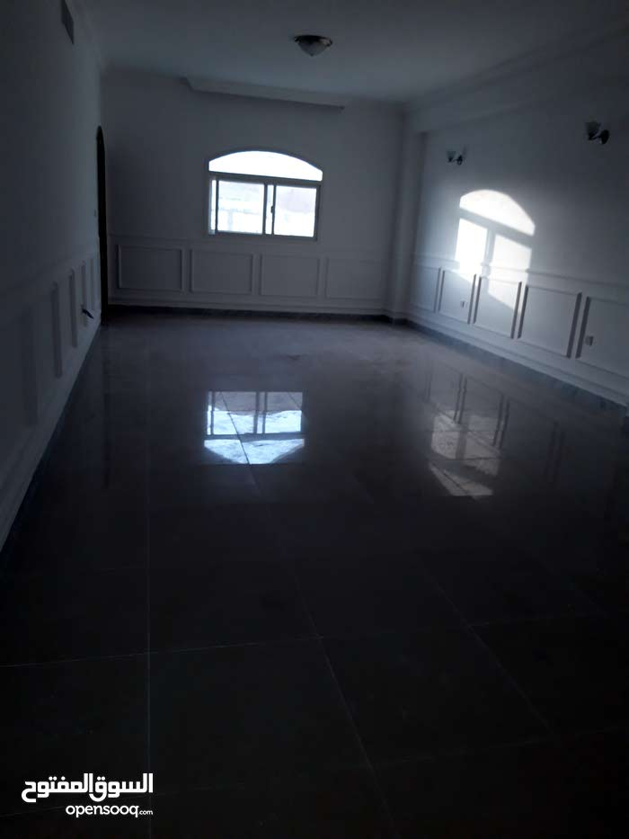 House for rent in Abu Dhabi - Airport Road