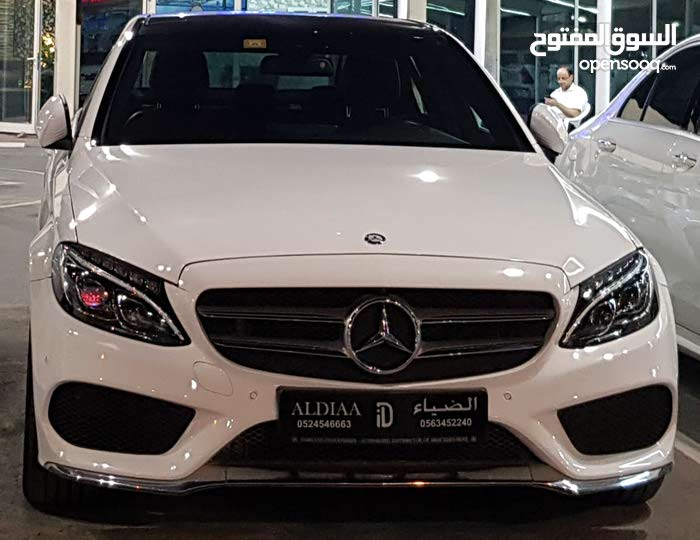 Available for sale! 50,000 - 59,999 km mileage Mercedes Benz C 200 2017