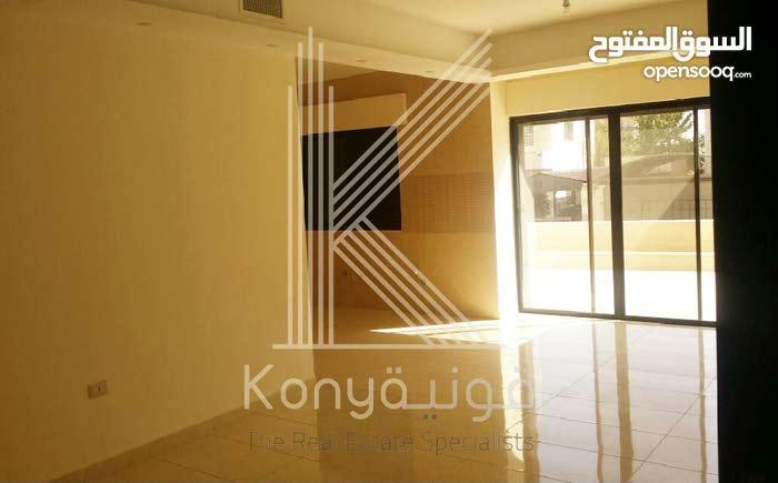 شقة دوبلكس طابق ارضي+اول في موقع مميز في الشميساني