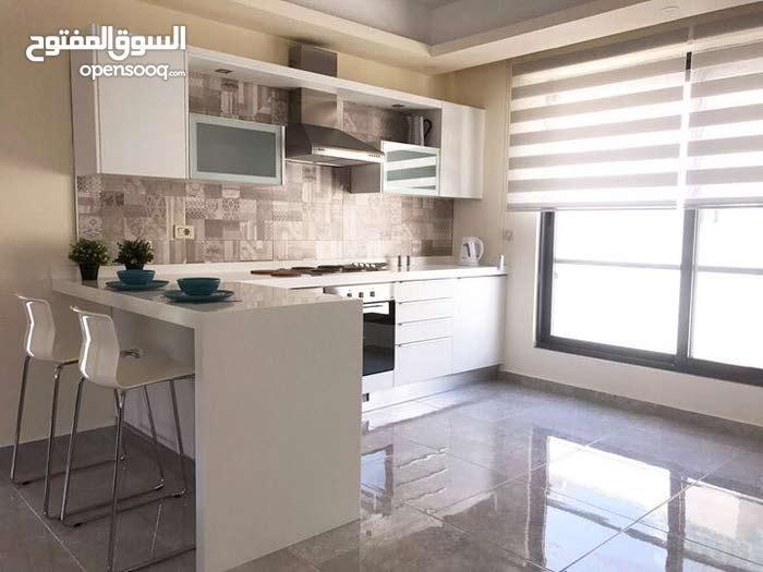 شقة فاخرة جدا ومميزة للايجار في عبدون