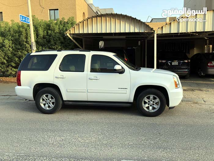 Automatic White GMC 2010 for sale