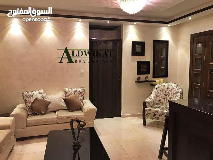 شقة ارضية للبيع في اجمل مناطق خلدا بمساحة 126م مع حديقة 150م