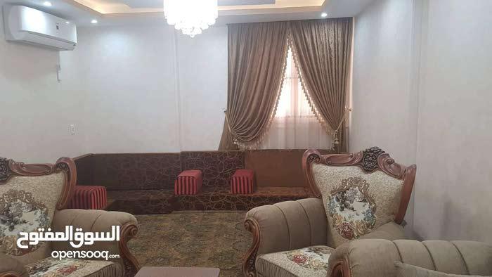 شقة للبيع في ارقي شارع في مصر الجديده مساحة 220 متر