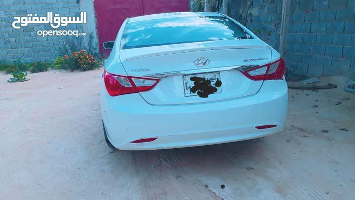 Used condition Hyundai Sonata 2011 with +200,000 km mileage