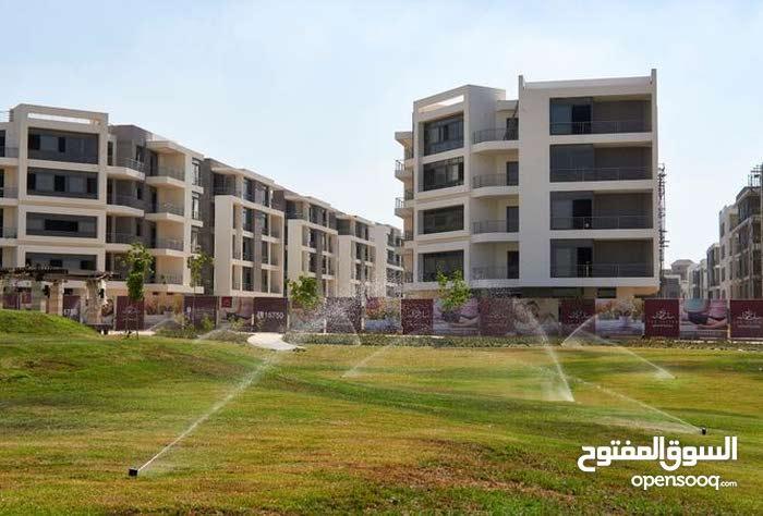 شقة 108 متر للبيع بالتقسيط على 10 سنين بأرقى كمبوند بالقاهرة الجديدة