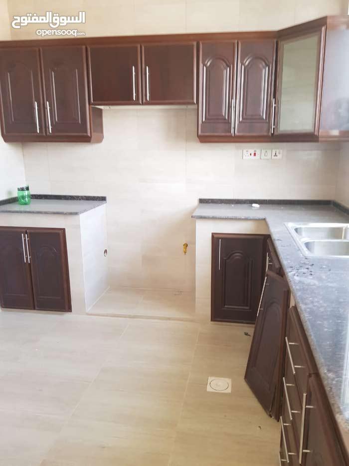 Villa for rent in Amerat city Murtafaat Alamerat