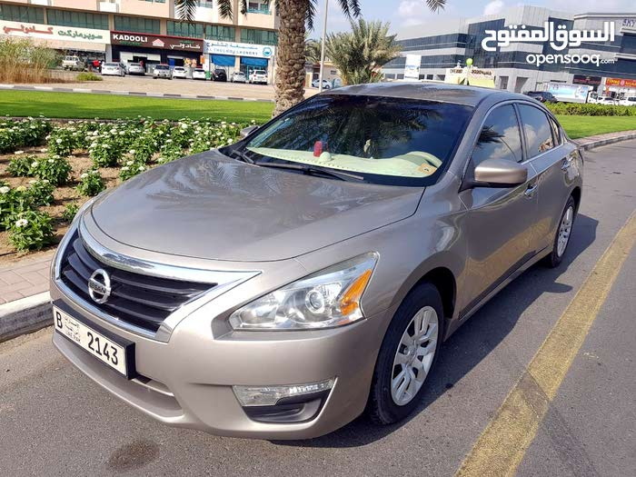 Used 2016 Altima in Dubai