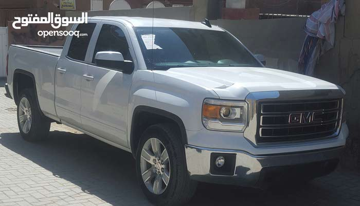 Used condition GMC Sierra 2015 with 1 - 9,999 km mileage