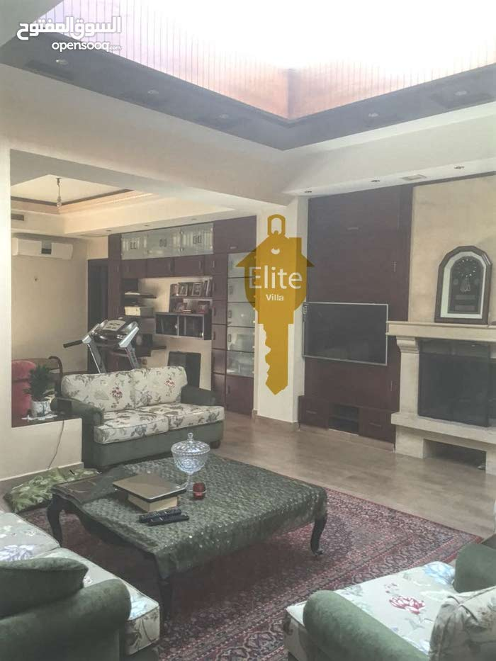 5 rooms  Villa for sale in Amman city Al Bnayyat