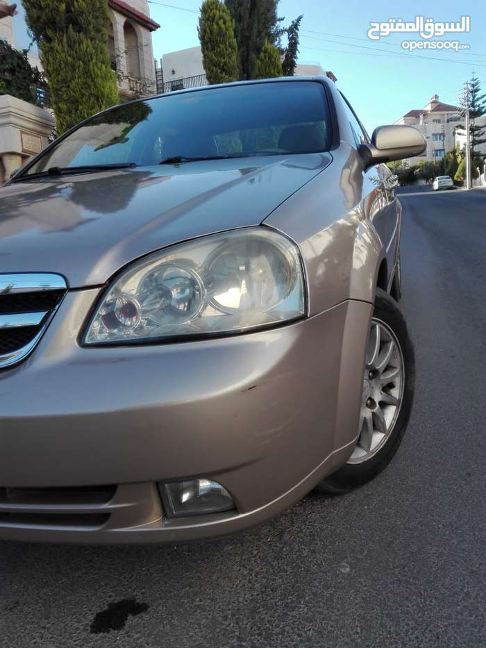 Chevrolet Optra 2005 For sale - Gold color