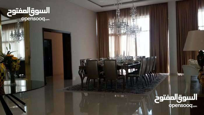 Villas in Dubai and consists of: 4 Rooms and 4 Bathrooms is available for sale