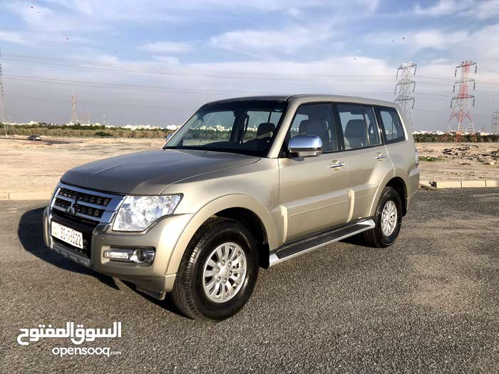 Used condition Mitsubishi Pajero 2015 with  km mileage