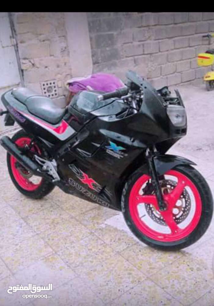 Suzuki motorbike made in 2000