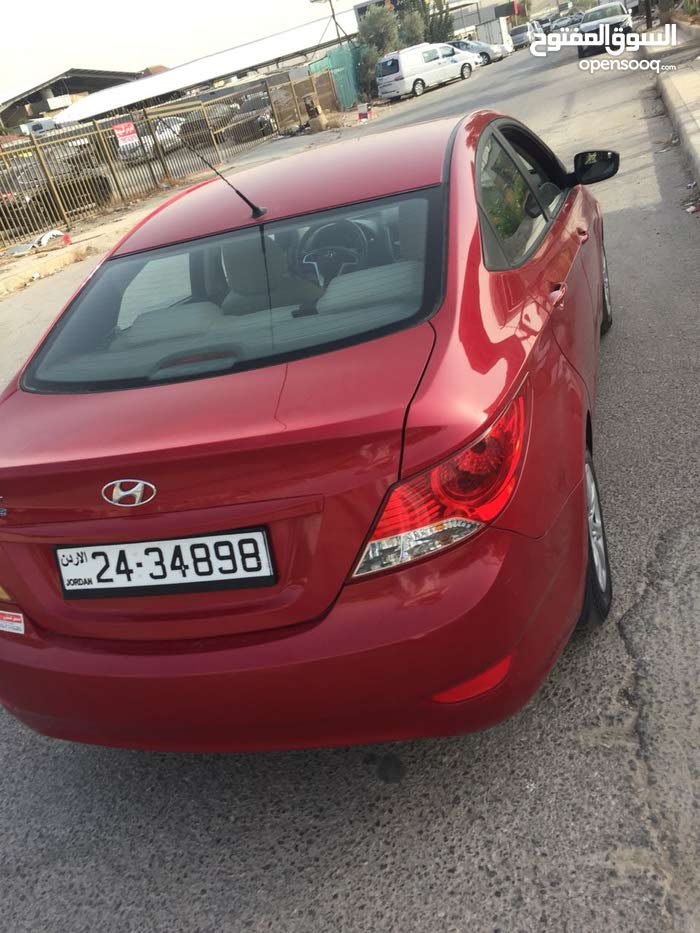 Automatic Hyundai 2014 for sale - New - Zarqa city