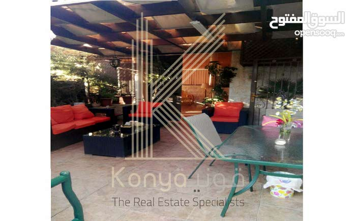 5 rooms  apartment for sale in Amman city Um Uthaiena