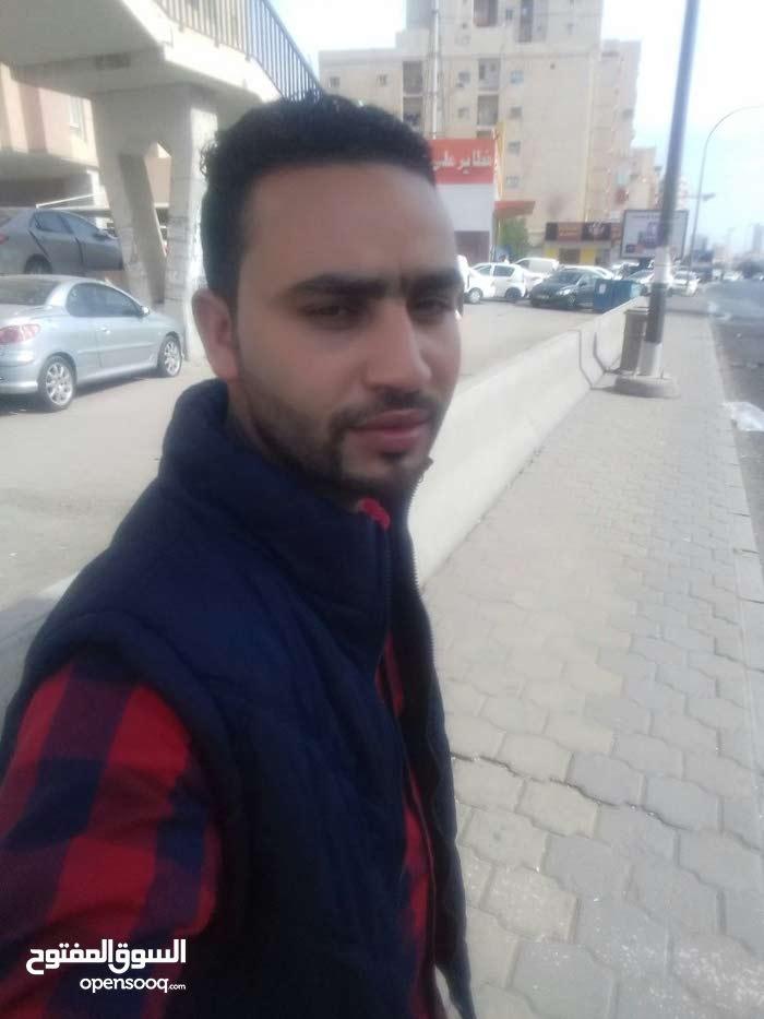 شاب مصري أبحث عن نصف دوام
