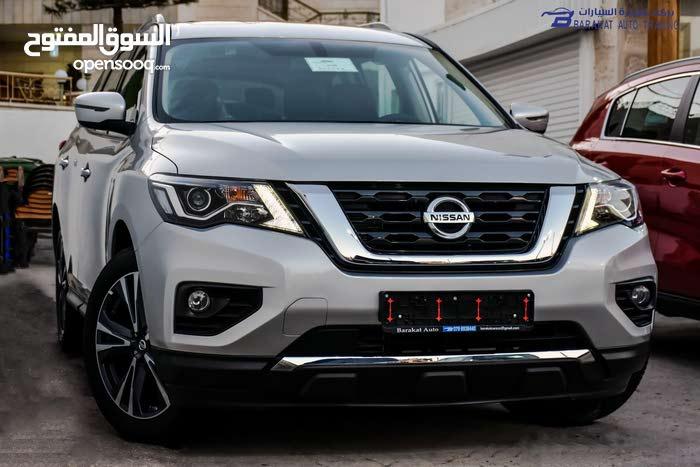 For sale Nissan Pathfinder car in Amman