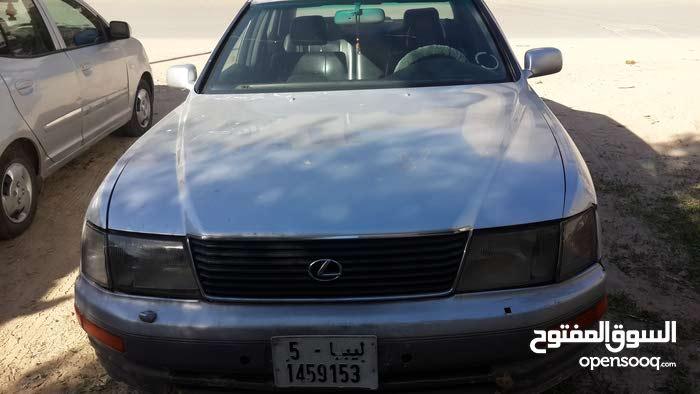 سيارة لكزس ال اكس 1992