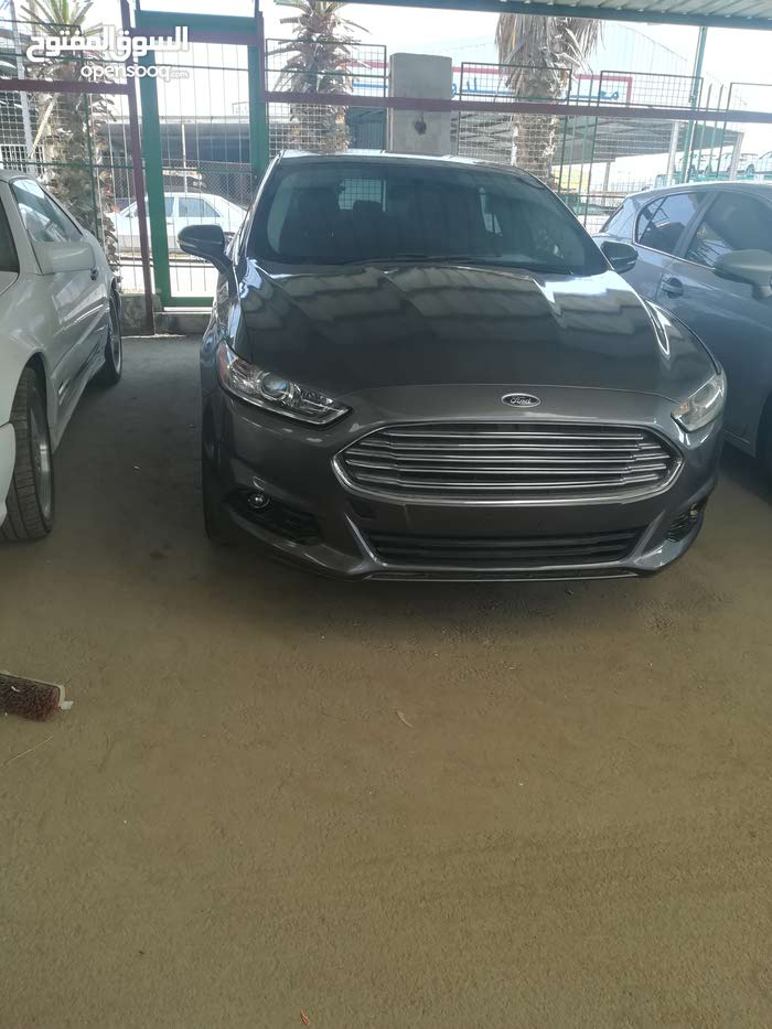 Automatic Grey Ford 2014 for sale