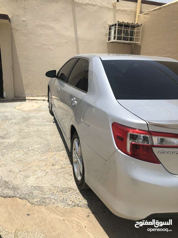 Toyota Camry 2012 For sale - Silver color