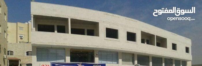 طابق تجاري بمسطح 420 متر في الزرقاء الجديدة للايجار