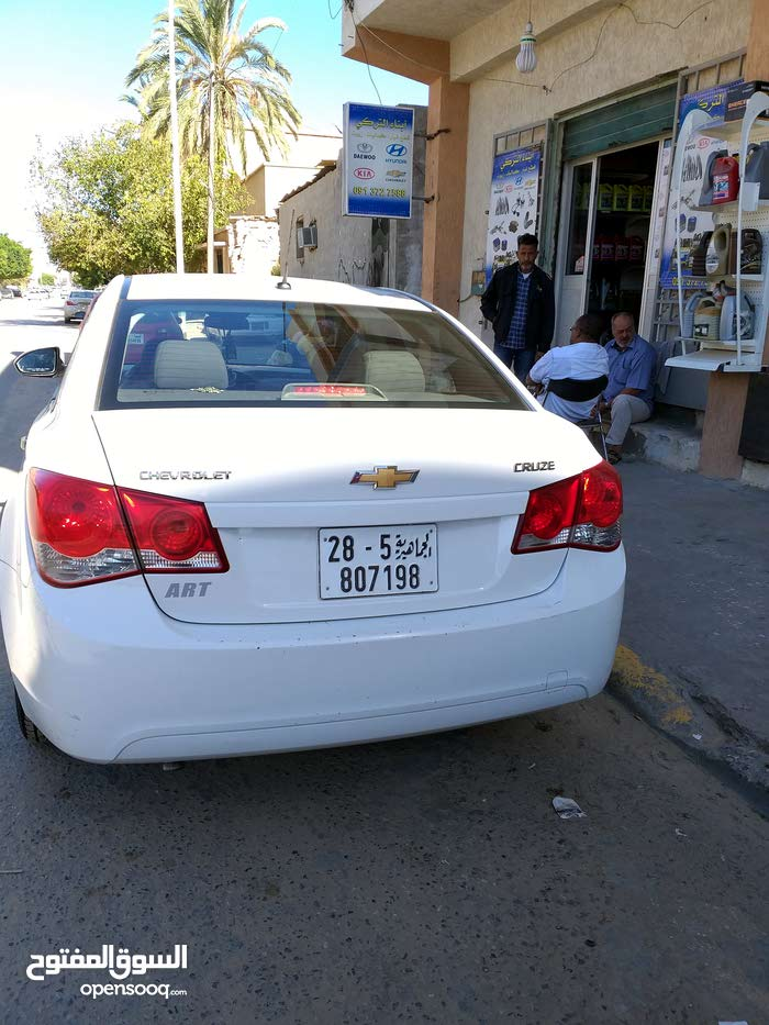 White Chevrolet Cruze 2010 for sale