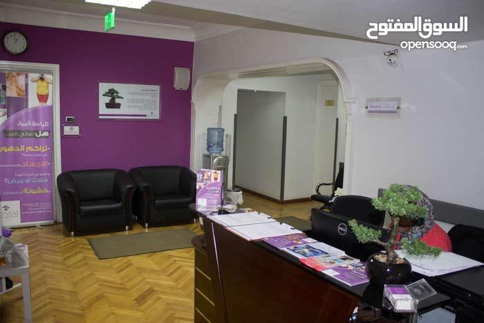 دكنورة علاج طبيعي لمركز متميز بمصر الجديدة