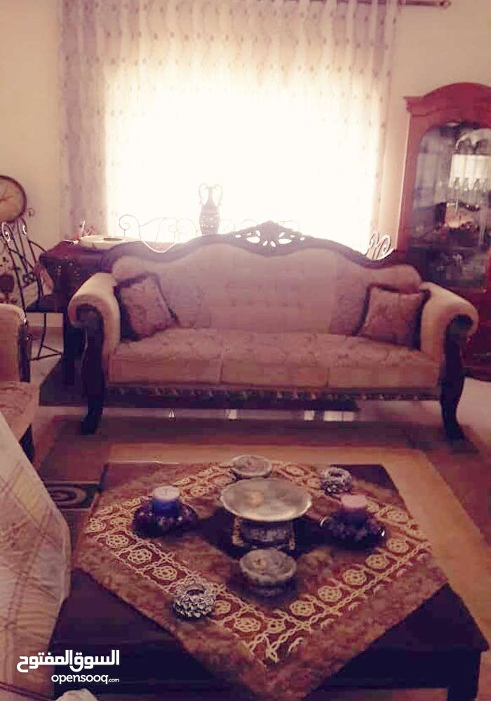 Villa for sale consists of 5 Rooms and More than 4 Bathrooms