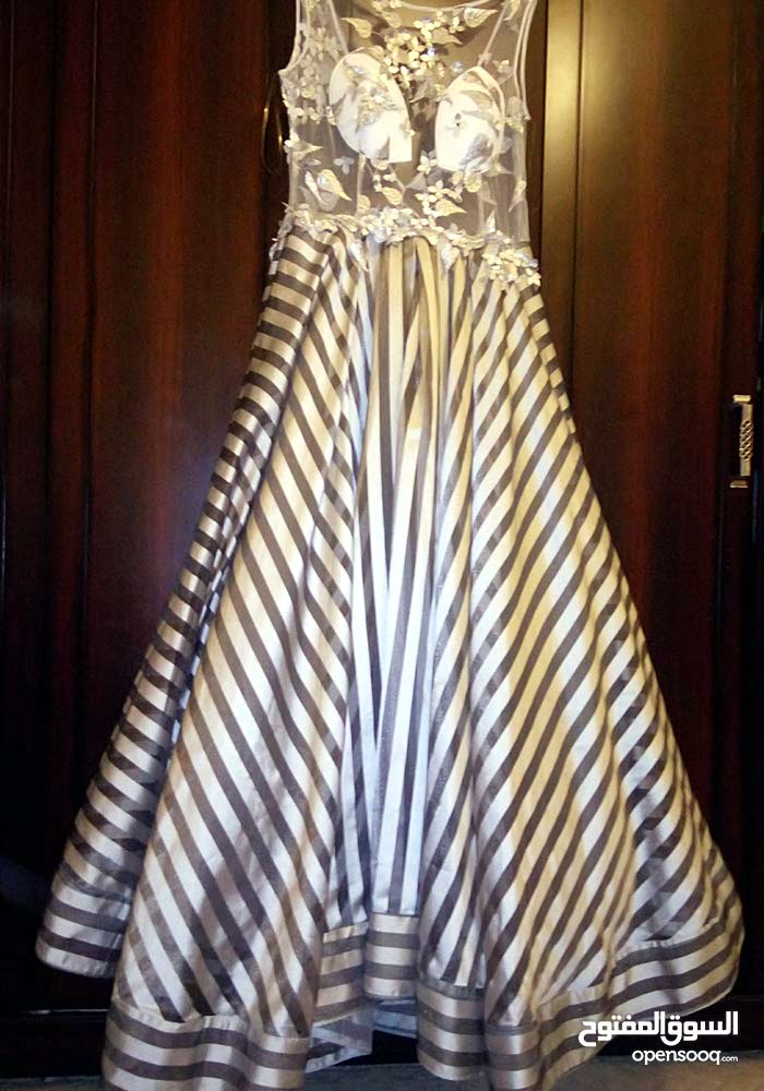 فستان سهرة كبير استعمال نظيف مقاس 46 ملبوس مرتين بس نقبل حتي شيك مصدق عادي