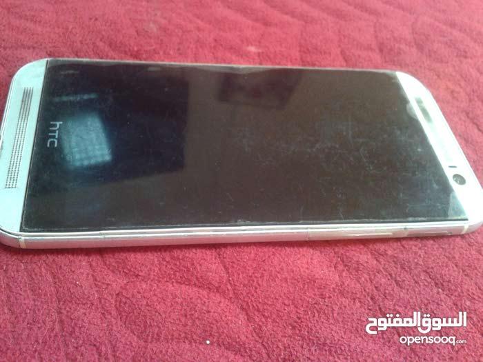 جوال HTC M8 مستعمل. نظيف للبيع