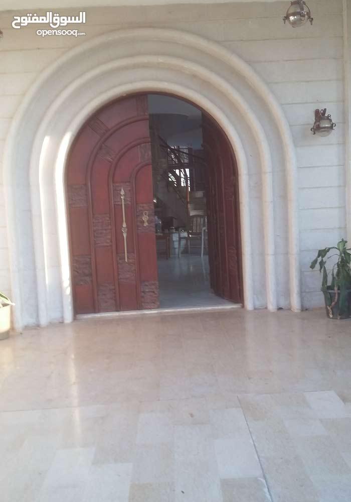 منزل تجارى للبيع ... فى طريق النوفليين ... بجوار طرايق جامع الصقع .... منزل تجار